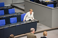 19. Sitzung des Deutschen Bundestag am Mittwoch den 14. Maerz 2018.<br /> Erster Tagesordnungspunkt war die Wahl von Angela Merkel zur Bundeskanzlerin.<br /> Im Bild: Bundeskanzlerin Angela Merkel.<br /> 14.3.2018, Berlin<br /> Copyright: Christian-Ditsch.de<br /> [Inhaltsveraendernde Manipulation des Fotos nur nach ausdruecklicher Genehmigung des Fotografen. Vereinbarungen ueber Abtretung von Persoenlichkeitsrechten/Model Release der abgebildeten Person/Personen liegen nicht vor. NO MODEL RELEASE! Nur fuer Redaktionelle Zwecke. Don't publish without copyright Christian-Ditsch.de, Veroeffentlichung nur mit Fotografennennung, sowie gegen Honorar, MwSt. und Beleg. Konto: I N G - D i B a, IBAN DE58500105175400192269, BIC INGDDEFFXXX, Kontakt: post@christian-ditsch.de<br /> Bei der Bearbeitung der Dateiinformationen darf die Urheberkennzeichnung in den EXIF- und  IPTC-Daten nicht entfernt werden, diese sind in digitalen Medien nach §95c UrhG rechtlich geschuetzt. Der Urhebervermerk wird gemaess §13 UrhG verlangt.]