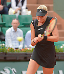 Eugenie Bouchard (CAN) loses to Kristina Mladenovic (FRA) 6-4, 6-4