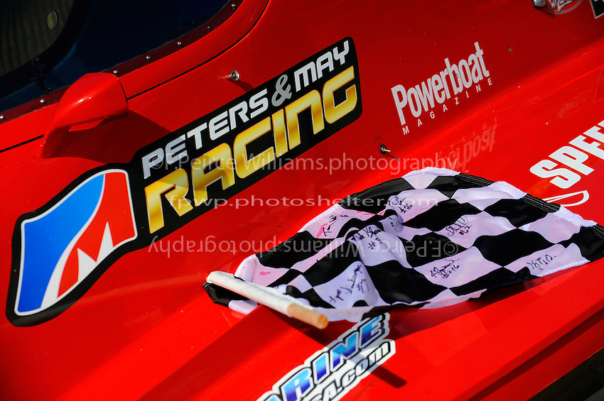 Peters & May Racing graphics on Shaun Torrente's F1 class winning boat at Bay City.