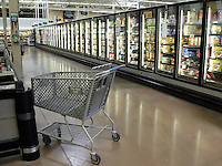 A shopping cart in the frozen food section of Wal-Mart Thursday, March 2, 2006, in Grove City, Ohio.<br />