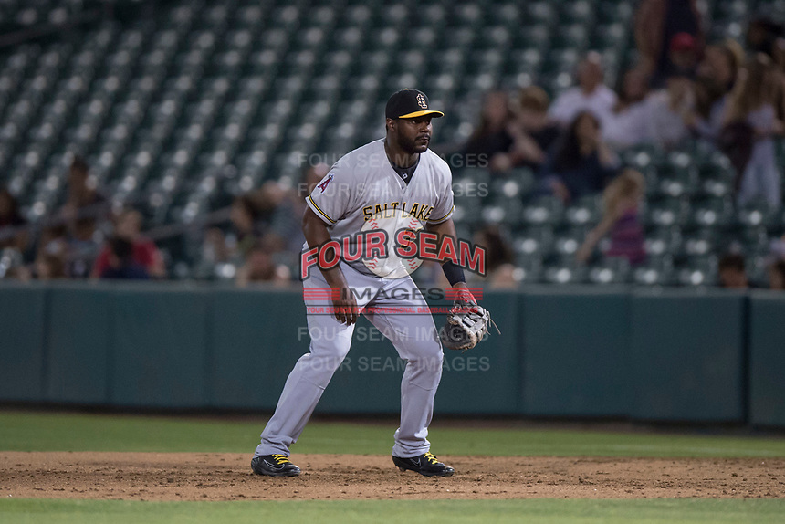 Salt Lake Bees first baseman Chris Carter (33) during a Pacific Coast League game against the Fresno Grizzlies at Chukchansi Park on May 14, 2018 in Fresno, California. Fresno defeated Salt Lake 4-3. (Zachary Lucy/Four Seam Images)