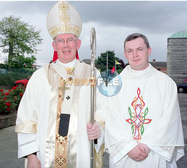 Fr Michael Sheehan being ordained in the Lourdes Church in Driogheda by ArchBishop Sean Brady..Picture Des Clinton Newsfile