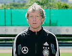 Fussball INTERNATIONAL EURO 2004 Nationalmannschaft ; DFB ; Deutschland, FOTOTERMIN    Trainer Erich Rutemueller