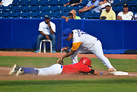 BARRANQUILLA - COLOMBIA, 3-06-2018 . Selección Colombia de béisbol en acción contra la selección de Puerto Rico durante Torneo Copa Barranquilla Capital de Vida durante la  apertura del  estadio de Béisbol Edgar Rentería  / Colombian baseball team in action against the Puerto Rico national team during the Copa Barranquilla Capital of Life tournament during the opening of the Edgar Rentería Baseball stadium. Photo: VizzorImage / Alfonso Cervantes / Contribuidor