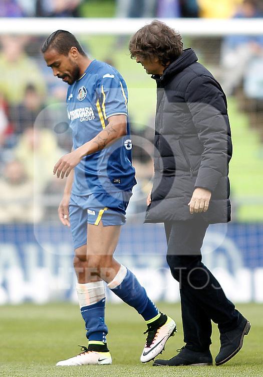 Getafe's Alvaro Pereira injured during La Liga match. April 16,2016. (ALTERPHOTOS/Acero)