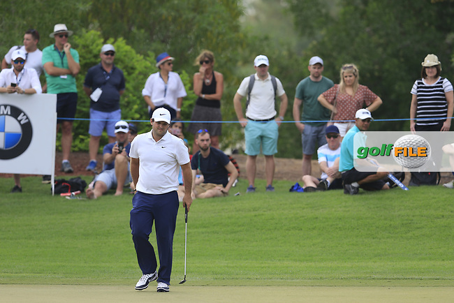 Patrick Reed (USA) on the 15th green during the 3rd round of the DP World Tour Championship, Jumeirah Golf Estates, Dubai, United Arab Emirates. 17/11/2018<br /> Picture: Golffile | Fran Caffrey<br /> <br /> <br /> All photo usage must carry mandatory copyright credit (© Golffile | Fran Caffrey)