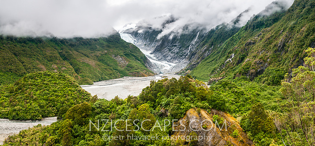 Franz Josef Glacier as seen from Sentinel Rock lookout, Westland Tai Poutini National Park, West Coast, South Westland, UNESCO World Heritage Area, New Zealand, NZ