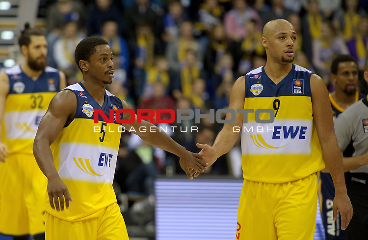 30.11.2014, EWE Arena, Oldenburg, GER, BBL, EWE Baskets Oldenburg vs ALBA BERLIN, im Bild Casper Ware (Oldenburg #5), Maurice Stuckey (Oldenburg #9)<br /> <br /> Foto &copy; nordphoto / Frisch