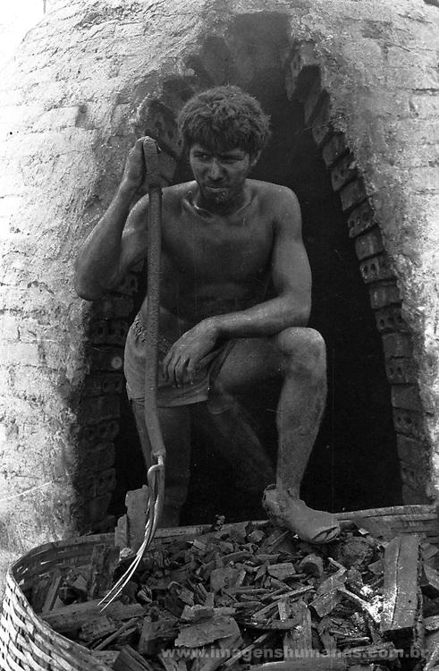 Trabalho escravo - carvoeiros - Castanhal do Ubá - Pará..I work slave - coaly - Castanhal of Ubá - Pará.  ..Trabalho escravo - carvoeiros - Castanhal do Ubá - Pará..I work slave - coaly - Castanhal of Ubá - Pará.