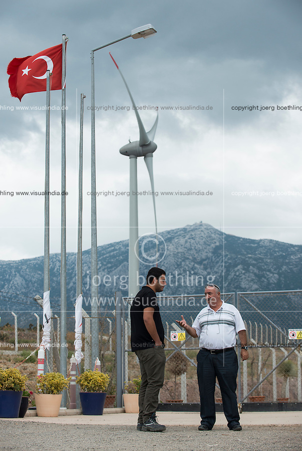 TURKEY, Karaburun near Izmir, 223 MW wind farm  of company Lodos Elektrik with Enercon E-82 wind turbines / TUERKEI, Karaburun, 223 MW Windpark der Firma Lodos Elektrik mit Enercon E-82 Windkraftanlagen, İsmail Bahcivan von Lodos Elektrik(links) und Enercon Mitarbeiter Serkan Özgel