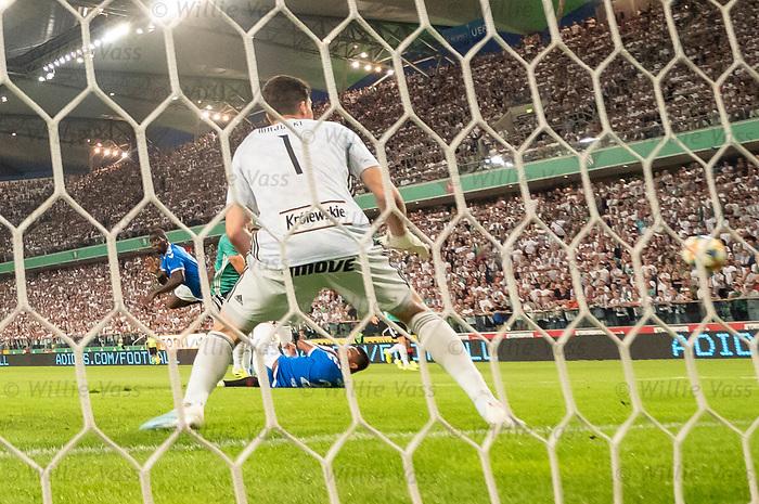 22.08.2019 Legia Warsaw v Rangers: Sheyi Ojo heads wide