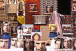 CHORÉGRAPHIE GILLES JOBIN/..PARANO FONDATION (CH)..CRÉATION AU THEATRE DE LA VILLE LE 12 AVRIL 2005....avec :..Jean-Pierre Bonomo..Niki Good..Marie-Caroline Hominal..Gilles Jobin..Susana Panadès Diaz..Rudi Van Der Merwe..musique..Cristian Vogel..conception de la music machine « Angus »..Cristian Vogel..construction de la music machine « Angus »..Simon Jobin..scénographie..Sylvie Kleiber..assistant à la scénographie..Victor Roy..costumes..Karine Vintache..assistante costume..Julie Delieutraz..lumière..Frédéric Richard..son..Simon jobin..administration..Maria-Carmela Mini..comptabilité..Delphine Jagot..chargé de diffusion..Richard Afonso..assistante de production..Delphine Rassat..production..Gilles Jobin/Parano Fondation..coproduction..Théâtre de la Ville-Paris (F), Spielzeiteuropa / Berliner..Festspiele-Berlin (D), Teatro Comunale Di Ferrara (I),..Danse à Aix-Aix-en-Provence (F), Tanzquartier-Wien..(A) et Arsenic-Lausanne (CH).