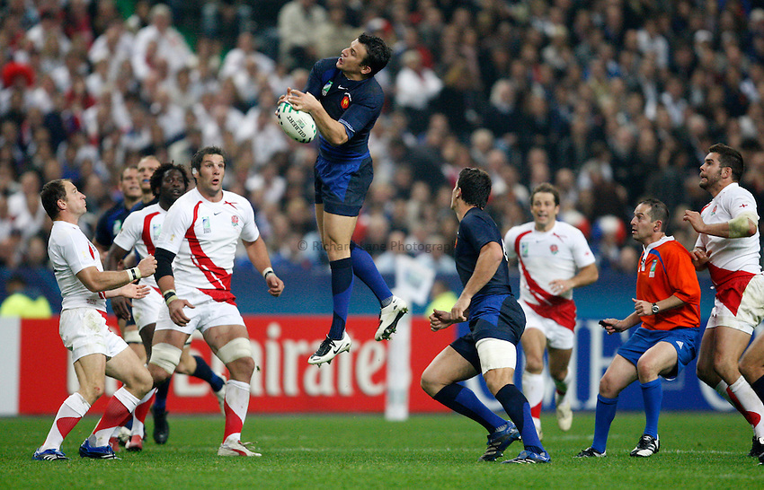 Photo: Richard Lane/Richard Lane Photography..England v France. Semi Final, IRB Rugby World Cup, RWC 2007. 13/10/2007. .France's Damien Traille wins a high ball.