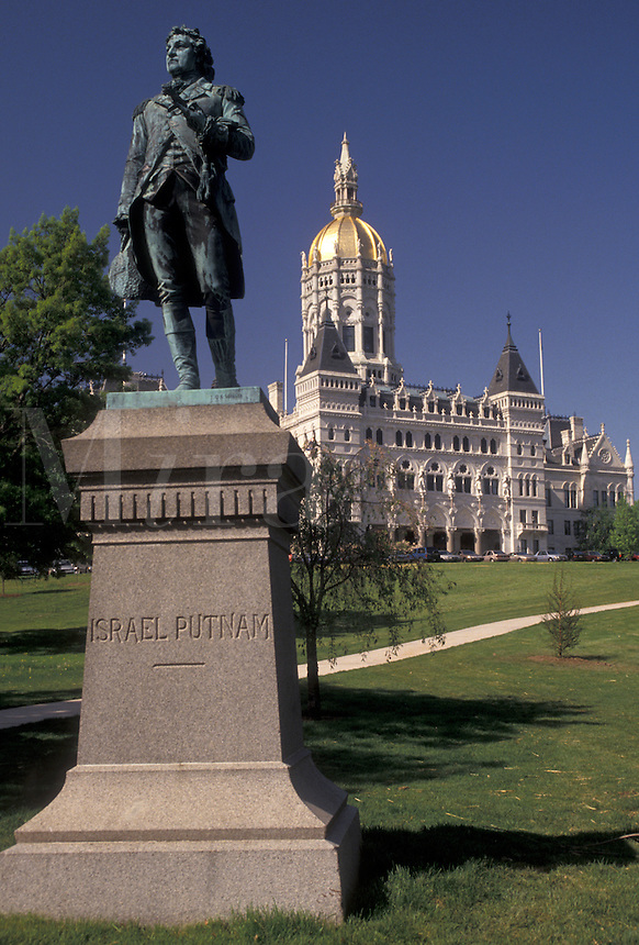 AJ3498, State Capitol, Hartford, State House, Connecticut, Statue of Israel Putnam and State Capitol Building in the capital city of Hartford in the state of Connecticut.