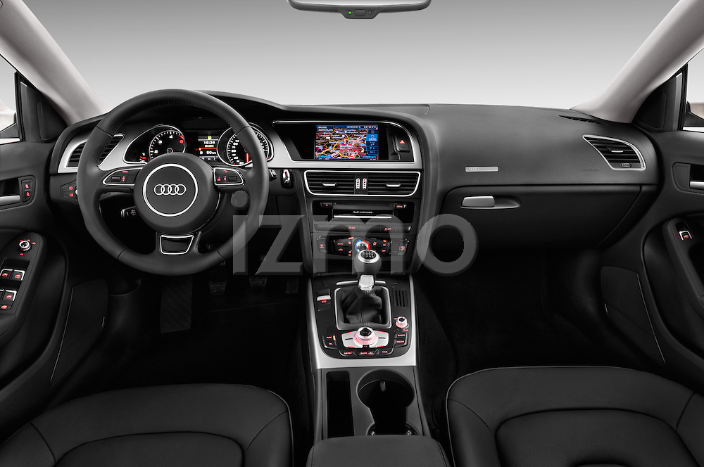 Straight dashboard view of a 2014 Audi A5 Sportback AMBIENTE 5 Door Hatchback 2WD