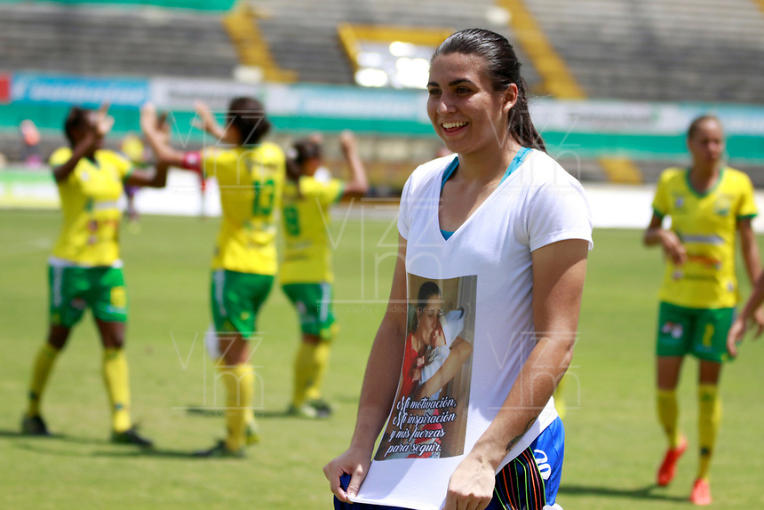 NEIVA, COLOMBIA, 03-06-2017: Daniela Solera Vega arquera de Atlético Huila celebra después del triunfo ante Cortulua en partido de ida por la semifinal de la Liga Femenina Águila 2017 jugado en el estadio Guillermo Plazas Alcid de la ciudad de Neiva. / Daniela Solera Vega player of Atletico Huila celebrates after defeating to Cortulua in the first leg match for the semifinal of the Aguila Women League 2017 played at Guillermo Plazas Alcid in Neiva city. VizzorImage / Sergio Reyes / Cont