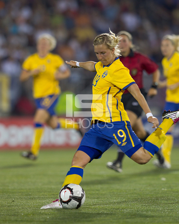 Sweden midfielder Louise Fors (19) passes the ball. The US Women's national team beat Sweden, 3-0, at Rentschler Field on July 17, 2010.