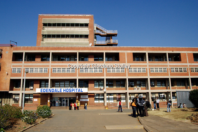 PIETERMARITZBURG - 13 June 2007 - Edendale Hospital in Pietermaritzburg is one of the many hospitals that has been affected by public sector strike. Nurses have been going to work in civilian clothing to avoid being intimidated by striking colleagues. .Picture: Giordano Stolley/Allied Picture Press
