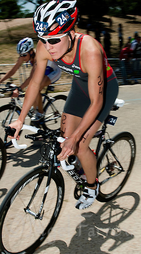 31 MAY 2009 - MADRID,ESP - Daniela Ryf - ITU World Championships Series Womens Triathlon .(PHOTO (C) NIGEL FARROW)
