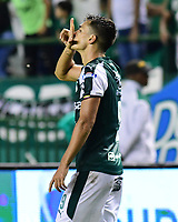 PALMIRA - COLOMBIA, 16-05-2019: Juan Ignacio Dinenno del Cali celebra después de anotar el primer gol de su equipo durante partido entre Deportivo Cali y Atletico Junior por la fecha 2, cudrangulares semifinales, de la Liga Águila I 2019 jugado en el estadio Deportivo Cali de la ciudad de Palmira. / Juan Ignacio Dinenno of Cali celebrates after scoring the first goal of his team during match between Deportivo Cali and Atletico Junior for the date 2, semifinal quadrangular, as part of Aguila League I 2019 played at Deportivo Cali stadium in Palmira city .  Photo: VizzorImage/ Nelson Rios / Cont