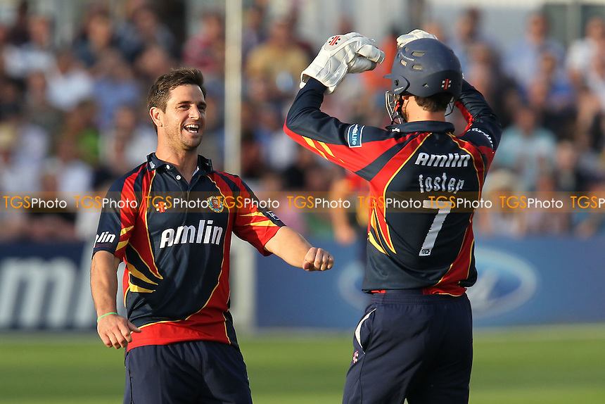 Ryan ten Doeschate of Essex celebrates the wicket of Ollie Rayner - Essex Eagles vs Middlesex Panthers - Friends Life T20 Cricket at the Ford County Ground, Chelmsford, Essex - 05/07/12 - MANDATORY CREDIT: Gavin Ellis/TGSPHOTO - Self billing applies where appropriate - 0845 094 6026 - contact@tgsphoto.co.uk - NO UNPAID USE.