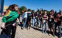 LISBOA, PORTUGAL, 25 DE MAIO 2012 - ROCK IN RIO LISBOA - Entrada de publico no primeiro dia do Rock In Rio Lisboa  na tarde dessa sexta-feira (25) na Cidade do Rock em Lisboa,  Portugal. FOTO: WILLIAM VOLCOV - BRAZIL PHOTO PRESS.