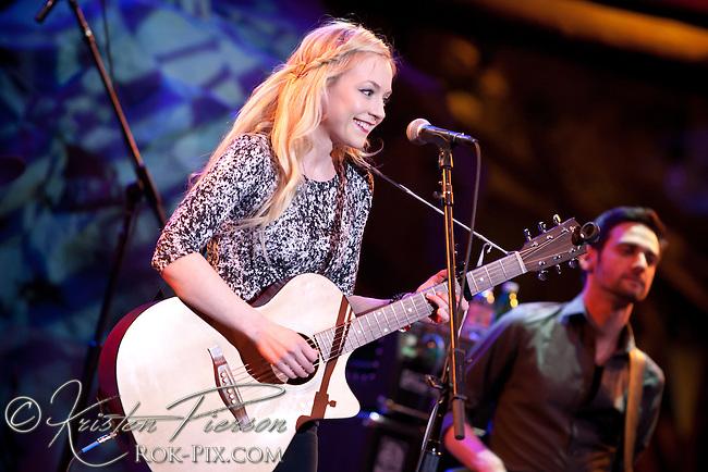 Emily Kinney performs at Mohegan Sun Wolf Den on February 26, 2015.