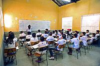 Crianças estudantes em sala de aula. Escola Municipal no municipio de Fronteiras. Piaui. 2015. Foto de Candido Neto.