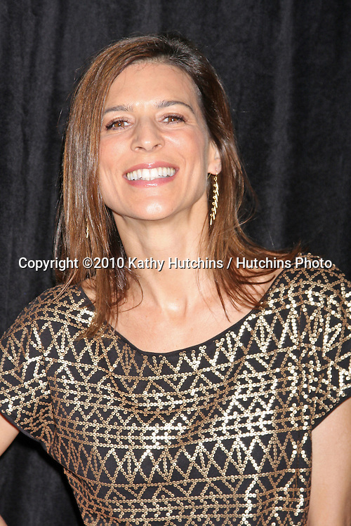 Perrey Reeves.arriving at the 9th Annual Award Season Diamond Fashioln Show Preview.Beverly Hills Hotel.Beverly Hills, CA.January 14, 2010.©2010 Kathy Hutchins / Hutchins Photo....