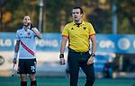 UTRECHT - scheidsrechter Paul vd Assum,  tijdens de hoofdklasse hockeywedstrijd mannen, Kampong-Amsterdam (4-3).  COPYRIGHT KOEN SUYK