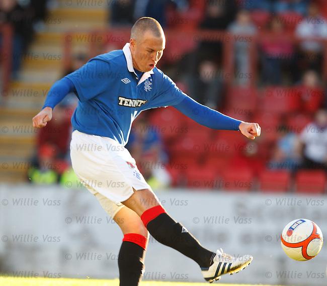 Kenny Miller scores goal no 2 for Rangers