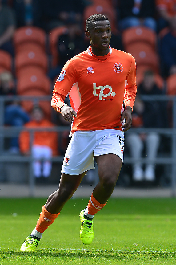 Blackpool's Viv Solomon-Otabor in action<br /> <br /> Photographer Richard Martin-Roberts/CameraSport<br /> <br /> The EFL Sky Bet League One - Blackpool v Milton Keynes Dons - Saturday August 12th 2017 - Bloomfield Road - Blackpool<br /> <br /> World Copyright &copy; 2017 CameraSport. All rights reserved. 43 Linden Ave. Countesthorpe. Leicester. England. LE8 5PG - Tel: +44 (0) 116 277 4147 - admin@camerasport.com - www.camerasport.com
