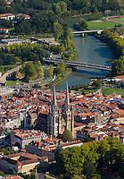 France, Aquitaine, Pyrénées-Atlantiques, Pays Basque, Bayonne: Cathédrale Sainte-Marie  et la Nive  vue aérienne // France, Pyrenees Atlantiques, Basque Country, Bayonne: Cathedrale Sainte-Marie,  Aerial view