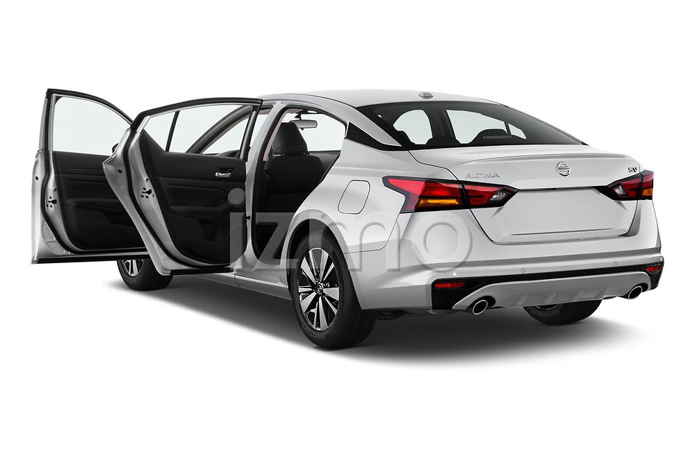Car images of 2019 Nissan Altima SV 4 Door Sedan Doors