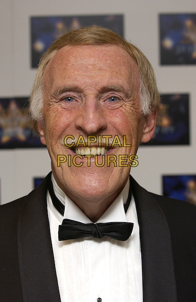 "BRUCE FORSYTHE.""Avenue of the Stars - 50 Years of ITV"".LWT Studios.London, 18 September 2005.© Steve Finn/Capital Pictures.Ref: FIN.portrait headshot.www.capitalpictures.com.sales@capitalpictures.com.© Capital Pictures."