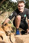 07.01.2019, Broederstroom, Johannesburg, RSA, TL Werder Bremen Johannesburg Tag 05 - Besuch Lion and Safari Park<br /> <br /> im Bild / picture shows <br /> <br /> Johannes Eggestein (Werder Bremen #24)<br /> <br /> bei den Loewen<br /> Foto © nordphoto / Kokenge