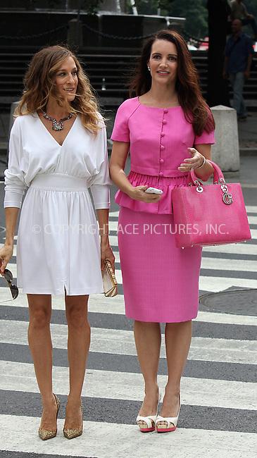WWW.ACEPIXS.COM . . . . .  ....September 8 2009, New York City....Actresses Sarah Jessica Parker and Kristin Davis on the Fifth Avenue set of the new 'Sex and the City' movie on September 8 2009 in New York City....Please byline: AJ Sokalner - ACEPIXS.COM..... *** ***..Ace Pictures, Inc:  ..tel: (212) 243 8787..e-mail: info@acepixs.com..web: http://www.acepixs.com