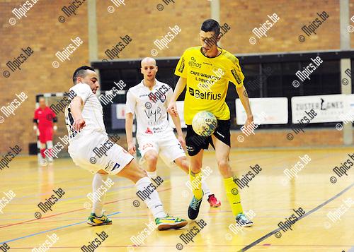 2015-03-13 / Futsal / Seizoen 2014-2015 / Lier - Antwerpen /  Amar Zouggaghi (l. Antwerpen) met Chiaravalle<br /><br />Foto: Mpics.be