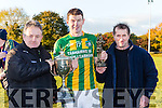 Stephen O'Sullivan and Paddy Browne presents the Novice cup and the man of the match to Lispole Captain Declan O'Sullivan on Sunday