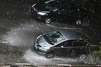 SÃO PAULO,SP, 29.03.2016 - TRÂNSITO-SP - Movimentação de veiculos em forte chuva no viaduto Júlio de Mesquita Filho, no bairro da Bela Vista, na região central de São Paulo, nesta terça-feira, 29. (Foto: William Volcov/Brazil Photo Press)