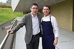 Joxe Mari Aizega (I) junto a Pascal Barbot (D) del Restaurante Astrance (Paris) en el Basque Culinary Center - Joxe Mari Aizega (L) with Pascal Barbot (R) of the restaurant Astrance (Paris) in the Basque Culinary Center
