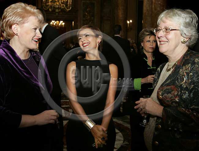 BRUSSELS - BELGIUM - 29 NOVEMBER 2005 -- EV50 Gala. --  EU Commissioner Dalia GRYBAUSKAITE (L) with Dana SPINANT Editor of European Voice and Helen WALLACE, Director of the Florence (Italy) Robert Schumann centre. -- PHOTO: JUHA ROININEN / EUP-IMAGES