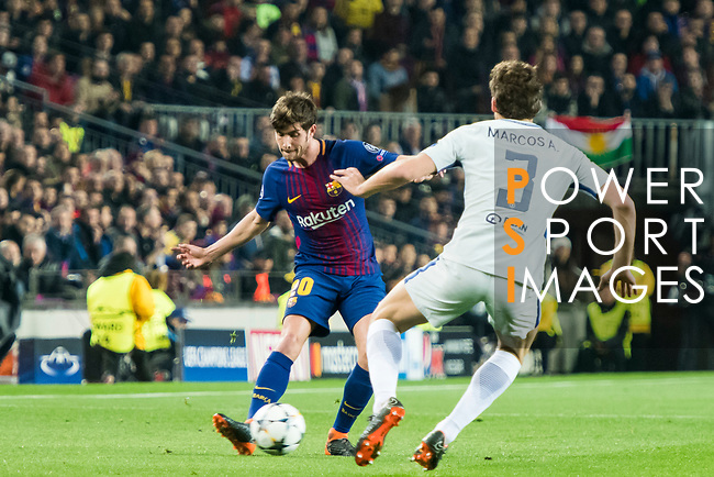 Sergi Roberto Carnicer (L) of FC Barcelona competes for the ball with Marcos Alonso of Chelsea FC  during the UEFA Champions League 2017-18 Round of 16 (2nd leg) match between FC Barcelona and Chelsea FC at Camp Nou on 14 March 2018 in Barcelona, Spain. Photo by Vicens Gimenez / Power Sport Images