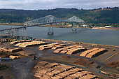 Logging export terminal on Columbia River