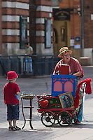 Europe/France/Midi-Pyrénées/31/Haute-Garonne/Toulouse: Place du Capitole, Orgue de Barbarie [Non destiné à un usage publicitaire - Not intended for an advertising use]