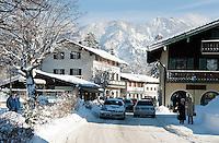 Germany, Bavaria, Upper Bavaria, Tegernseer Valley, Winter at Lake Tegern, snow covered main road through Tegernsee