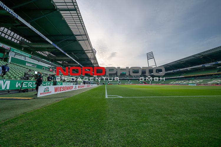 Feature Weserstadion im Abendlicht vor dem Spiel<br /> <br /> Sport: Fussball: 1. Bundesliga: Saison 19/20: <br /> 26. Spieltag: SV Werder Bremen vs Bayer 04 Leverkusen, 18.05.2020<br /> <br /> Foto ©  gumzmedia / Nordphoto / Andreas Gumz / POOL <br /> <br /> Nur für journalistische Zwecke! Only for editorial use!<br />  DFL regulations prohibit any use of photographs as image sequences and/or quasi-video.