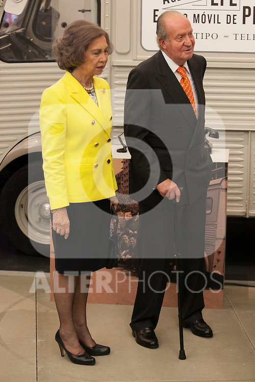 "King Juan Carlos of Spain and Queen Sofia of Spain attend the ""REY DE ESPAÑA"" International Journalism Awards and ¨DON QUIJOTE"" Journalism Award in Madrid, Spain. May 27, 2014. (ALTERPHOTOS/Victor Blanco)"