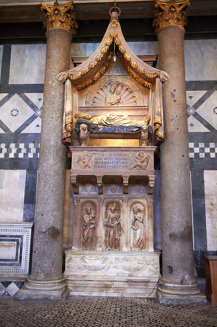 The  monumental Tomb of Antipope John XXIII by Donatello and Michelozzo Michelozzi (1420s). The Bapistry of the Duomo, Florence Italy
