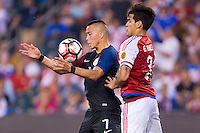 Action photo during the match USA vs Paraguay at Lincoln Financial Field, Copa America Centenario 2016. ---Foto  de accion durante el partido USA vs Paraguay, En el Lincoln Financial Field, Partido Correspondiante al Grupo - D -  de la Copa America Centenario USA 2016, en la foto: Bobby Wood, Gustavo Gómez